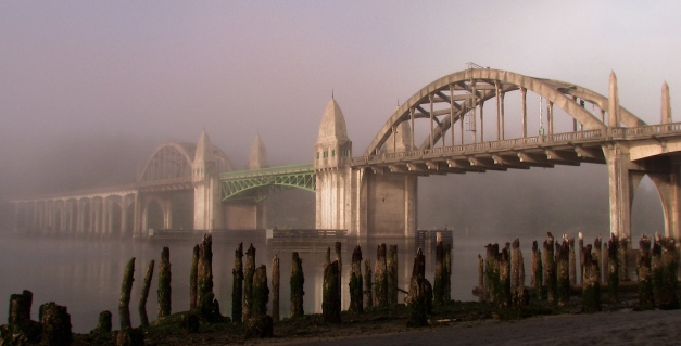 Florence Bridge in fog